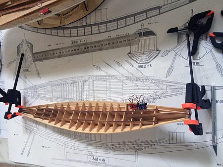 Обшивка корпуса модели ладьи