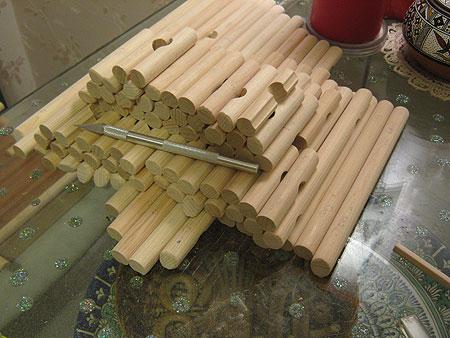 деревянной модели дома